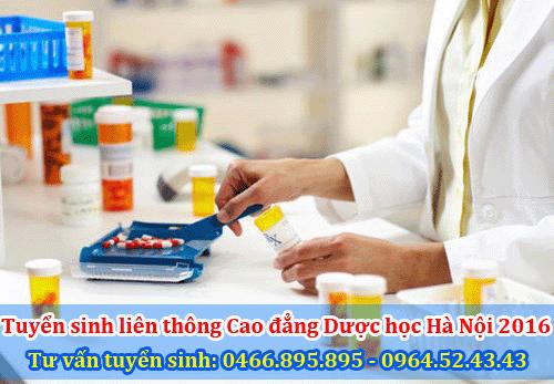 Dược sĩ bán thuốc là công việc được nhiều bạn trẻ lựa chọn