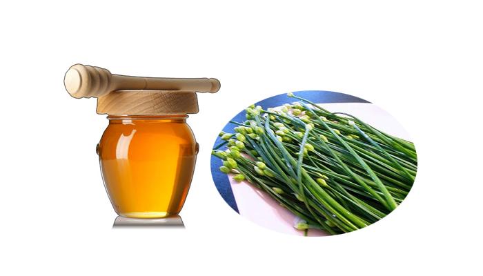 bài thuốc lá hẹ hấp mật ong trị viêm họng