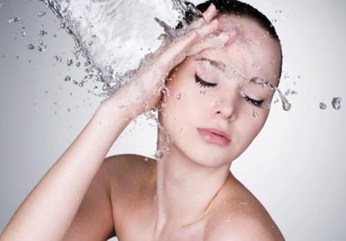 Rửa mặt không sạch