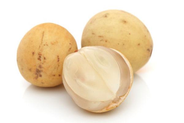Quả bòn bon có chứa nhiều vitamin C