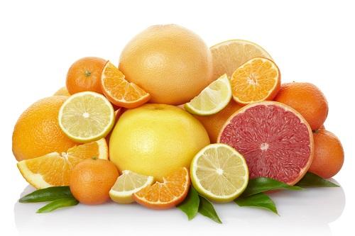 Làm mờ tàng nhang bằng vitamin C