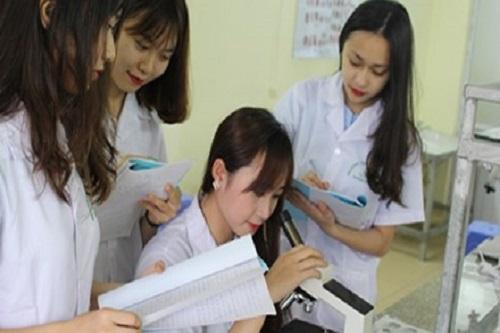 Học văn bằng 2 Cao đẳng Dược Hà Nội là một giải pháp nghề nghiệp của nhiều bạn hiện nay
