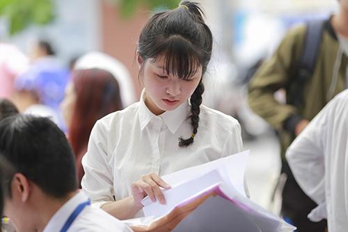 Bám sát đề thi thử nghiệm để ôn tập chuẩn bị cho kỳ thi THPT Quốc gia sắp diễn ra