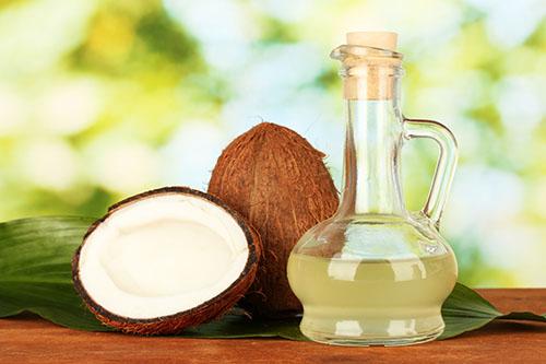 Chữa hôi nách bằng dầu dừa là phương pháp rất hiệu quả