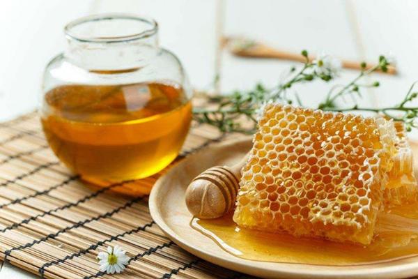 Mật ong có rất nhiều công dụng rất tốt cho sức khỏe