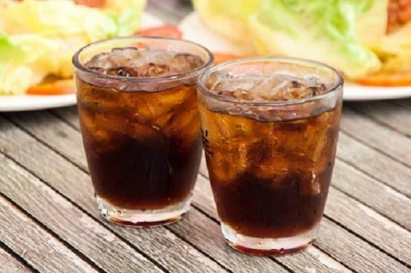 Nhân trần được dùng phổ biến nhất là pha trà làm nước uống