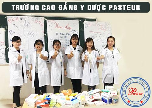 Sinh viên trường Cao đẳng Y Dược Pasteur
