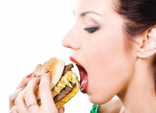 Ăn thả phanh mà không lo tăng cân trong mùa tiệc tùngĂn thả phanh mà không lo tăng cân trong mùa tiệc tùng