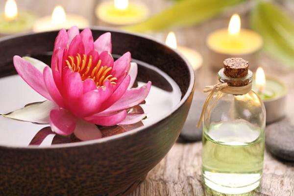 Những tác dụng của tinh dầu hoa sen